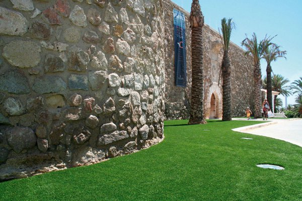 artificial grass public in spain